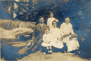JDH & Lillie & 3 children at Indian Springs