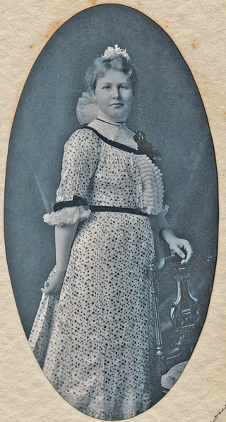 Unidentified woman 007