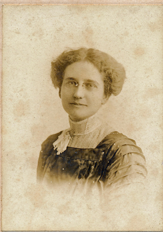 Unidentified woman 013